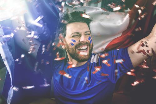 supporteur français célébrant une victoire