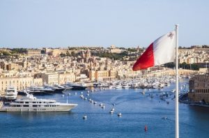 drapeau de Malte sur son port-casinosansdepots.fr