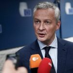 Bruno Le Maire interviewe a la radio